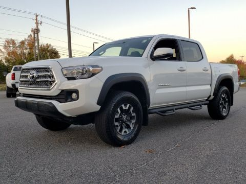 Pre-Owned 2016 Toyota Tacoma TRD Offroad With Navigation
